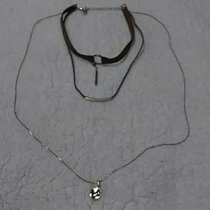 Choker w 2 attached necklaces
